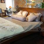 Giường ngủ gỗ óc chó M55